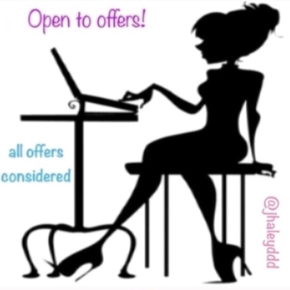 Tops - All offers considered! 💜😊